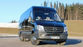 Mercedes Benz Sprinter 516 (juodas)